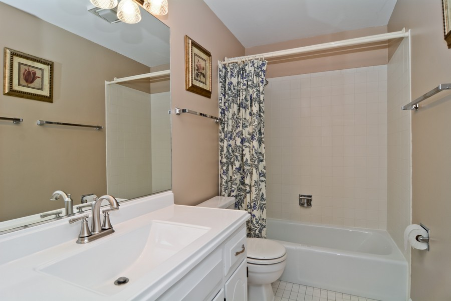 Real Estate Photography - 22W119 McCarron, Glen Ellyn, IL, 60137 - 2nd Bathroom