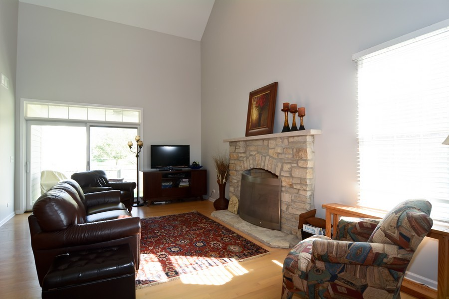 Real Estate Photography - 29W501 Cerny Circle, Warrenville, IL, 60555 - Living Room