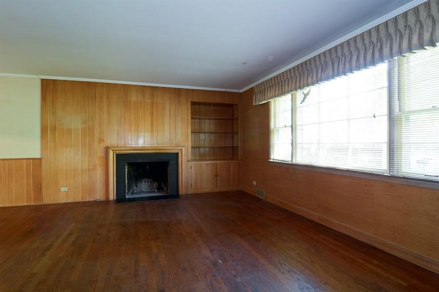 Real Estate Photography - 200 Bryant, Glen Ellyn, IL, 60137 - Living Room