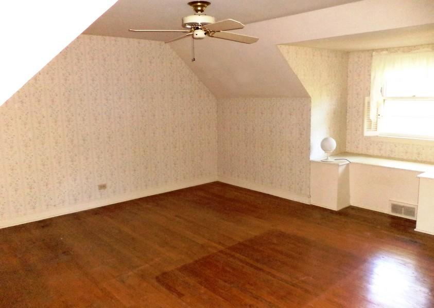 Real Estate Photography - 200 Bryant, Glen Ellyn, IL, 60137 - Master Bedroom