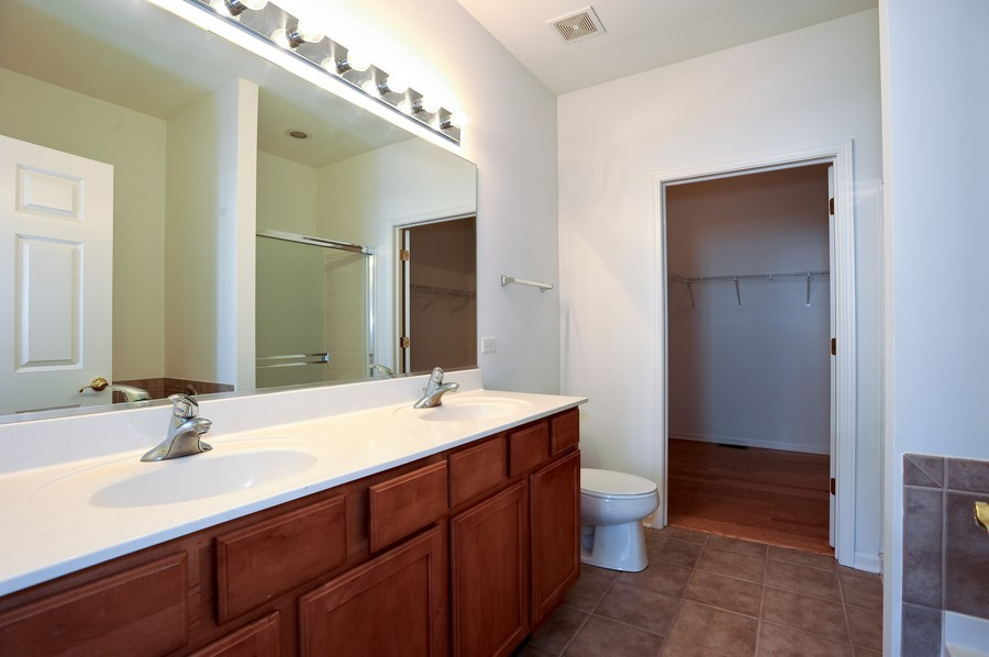 Real Estate Photography - 1523 Waterside drive, Dekalb, IL, 60115 - Master Bathroom