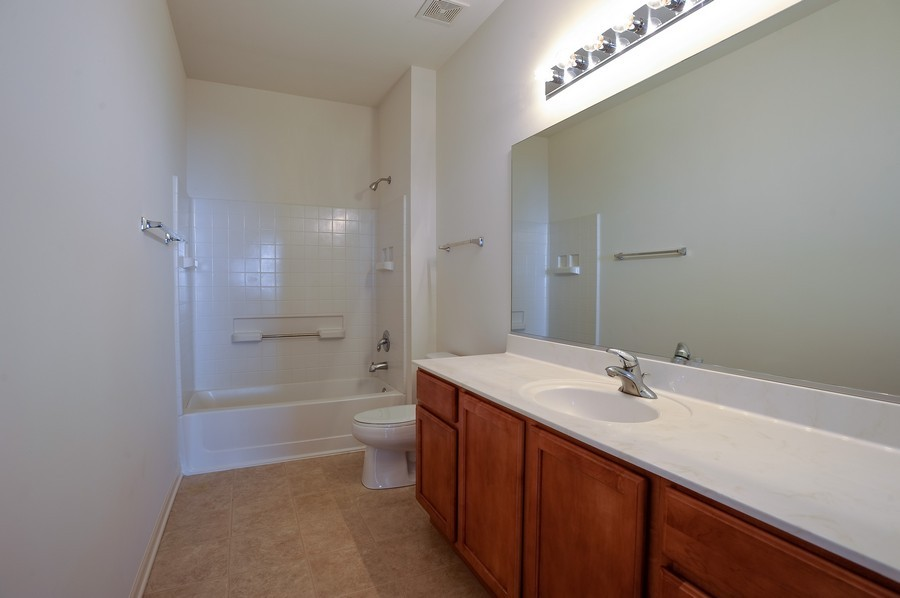 Real Estate Photography - 1523 Waterside drive, Dekalb, IL, 60115 - Bathroom