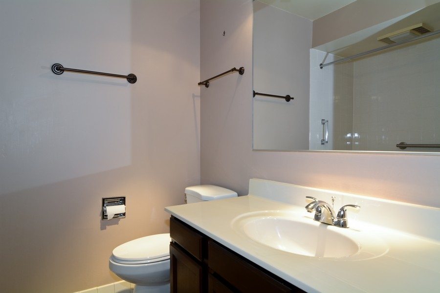 Real Estate Photography - 37 White Oak, St. Charles, IL, 60174 - Bathroom
