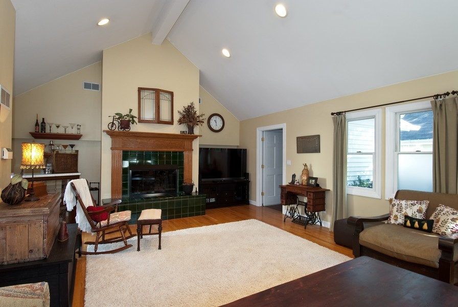 Real Estate Photography - 319 S Cook, Barrington, IL, 60010 - Family Room
