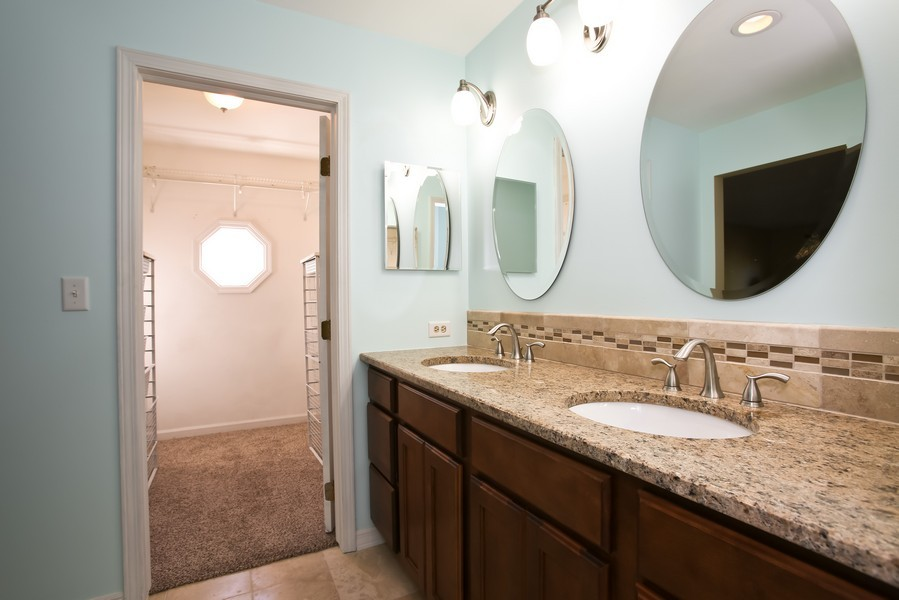 Real Estate Photography - 4230 Pine, Lisle, IL, 60532 - Master Bathroom