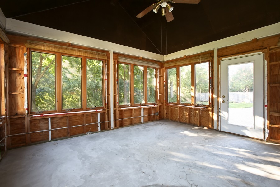 Real Estate Photography - 4230 Pine, Lisle, IL, 60532 - Sun Room