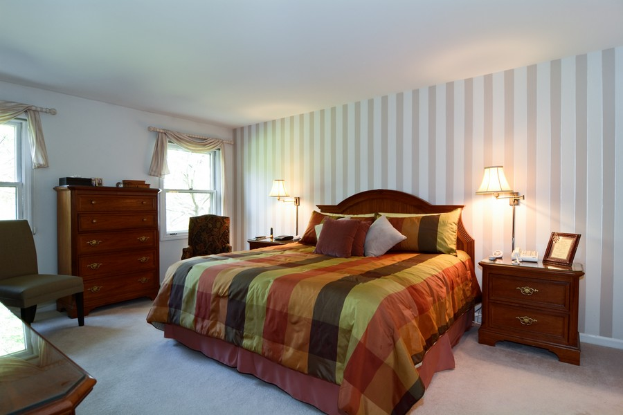 Real Estate Photography - 866 Seminary Cir, Glen Ellyn, IL, 60137 - Master Bedroom