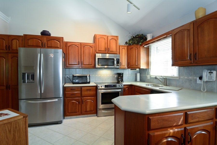 Real Estate Photography - 866 Seminary Cir, Glen Ellyn, IL, 60137 - Kitchen