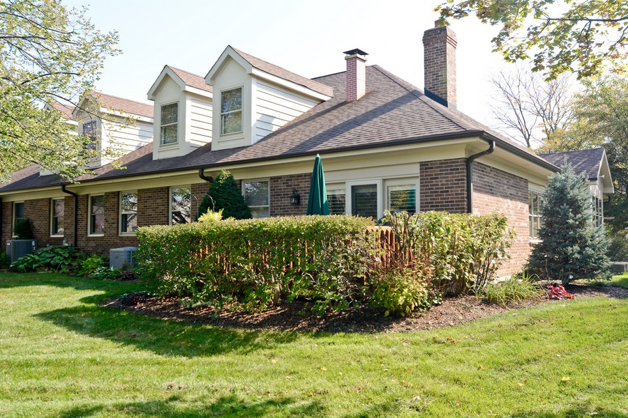 Real Estate Photography - 866 Seminary Cir, Glen Ellyn, IL, 60137 - Rear View