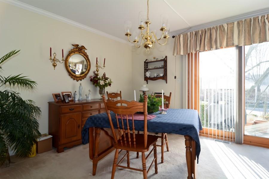 Real Estate Photography - 34 n Park Blvd, Glen Ellyn, IL, 60137 - Dining Room
