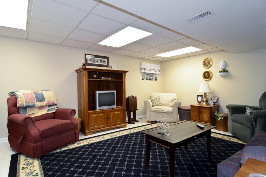 Real Estate Photography - 34 n Park Blvd, Glen Ellyn, IL, 60137 - Recreational Area
