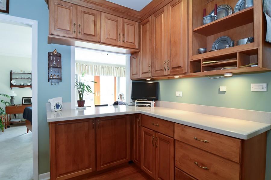 Real Estate Photography - 34 n Park Blvd, Glen Ellyn, IL, 60137 - Breakfast Nook