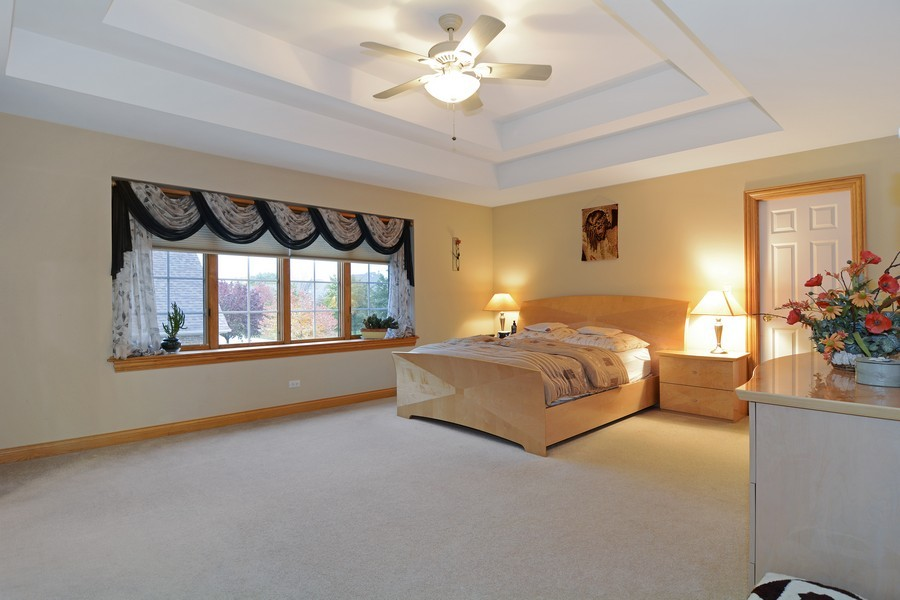 Real Estate Photography - 1608 Darien Club Dr, Darien, IL, 60561 - Master Bedroom