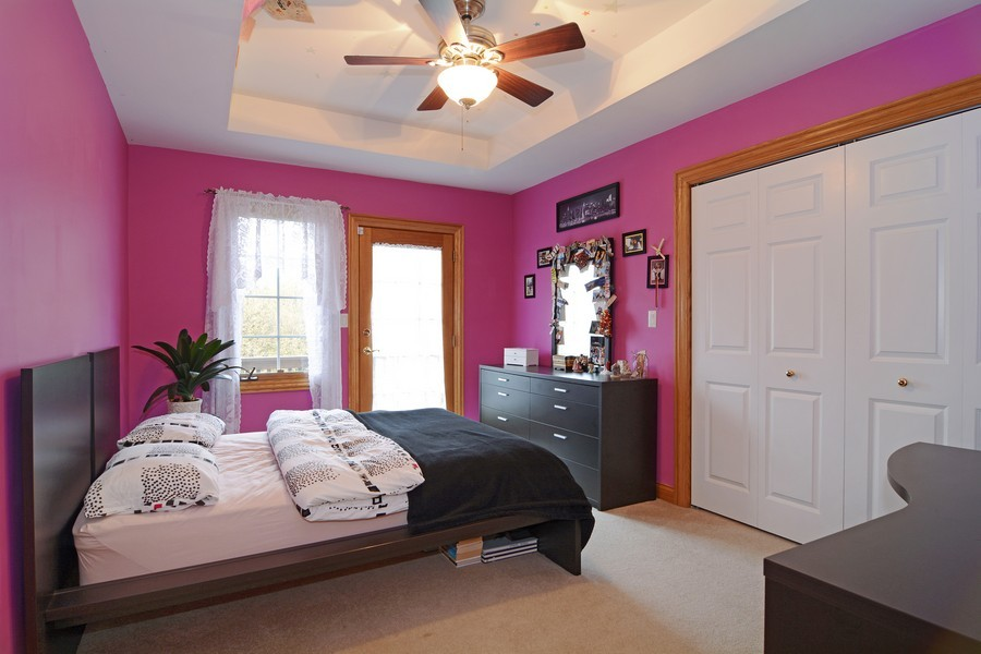 Real Estate Photography - 1608 Darien Club Dr, Darien, IL, 60561 - Kids Bedroom