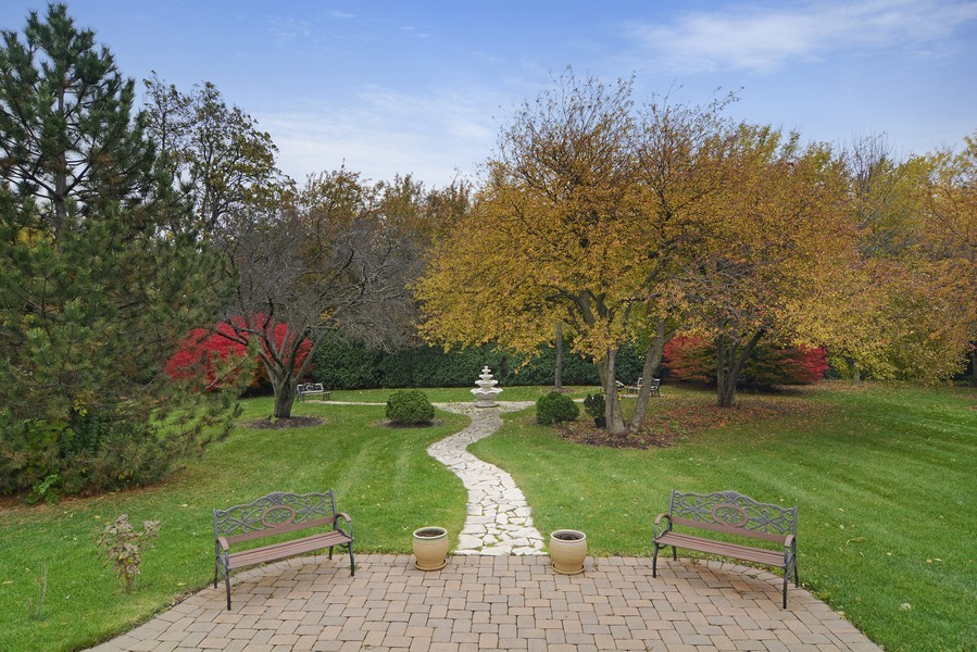 Real Estate Photography - 1608 Darien Club Dr, Darien, IL, 60561 - Back Yard