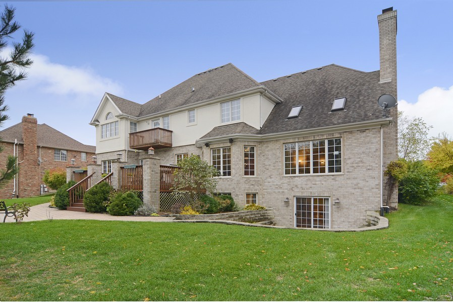 Real Estate Photography - 1608 Darien Club Dr, Darien, IL, 60561 - Rear View