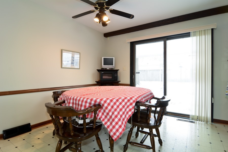 Real Estate Photography - 146 S Adeline, Addison, IL, 60101 - Breakfast Nook