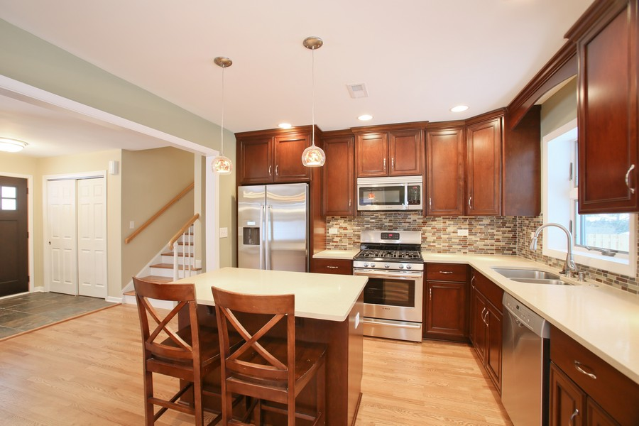 Real Estate Photography - 441 Bunning, Downers Grove, IL, 60516 - Kitchen / Breakfast Room