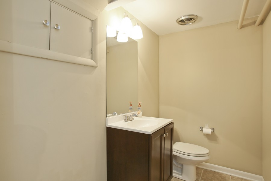 Real Estate Photography - 441 Bunning, Downers Grove, IL, 60516 - Bathroom