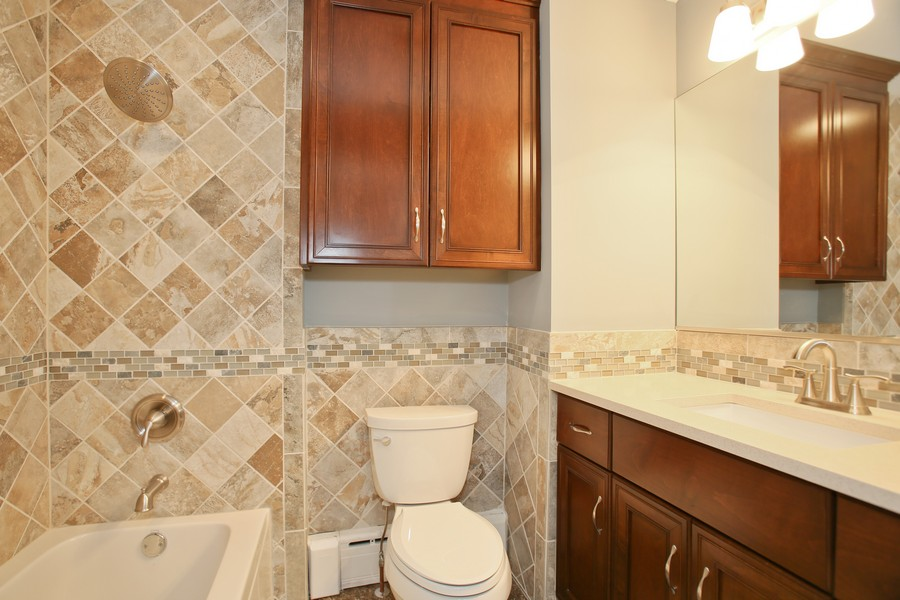 Real Estate Photography - 441 Bunning, Downers Grove, IL, 60516 - 2nd Bathroom