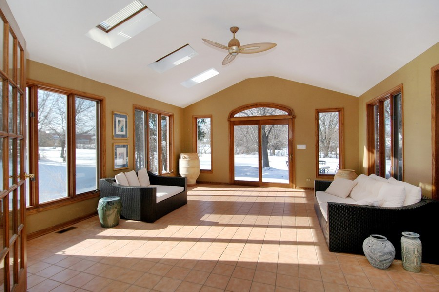 Real Estate Photography - 190 Tall Trees Drive, Barrington, IL, 60010 - Sun Room