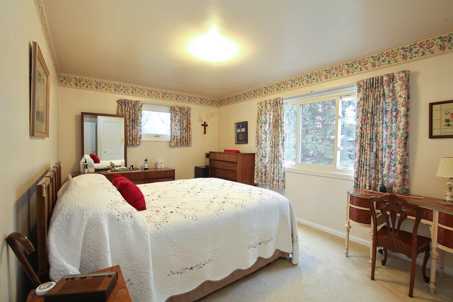 Real Estate Photography - 1117 Leslie Lane, Villa Park, IL, 60181 - Bedroom