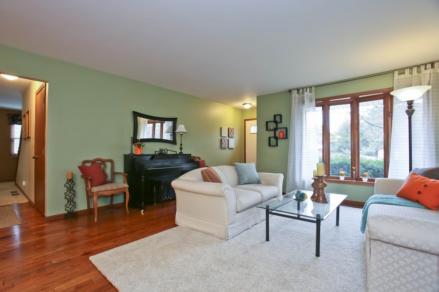 Real Estate Photography - 5828 Plymouth St, Downers Grove, IL, 60516 - Living Room