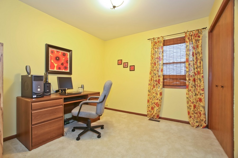 Real Estate Photography - 5828 Plymouth St, Downers Grove, IL, 60516 - Den