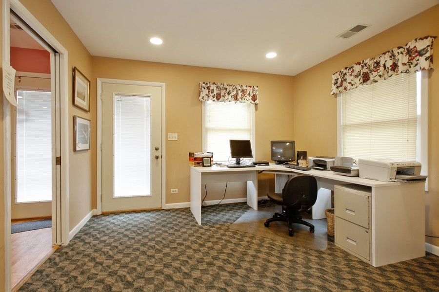 Real Estate Photography - 312 Spring Road, Glen Ellyn, IL, 60137 - Den