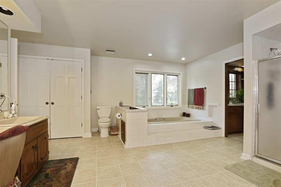 Real Estate Photography - 1607 Midwest Club Parkway, Oak Brook, IL, 60523 - Master Bathroom