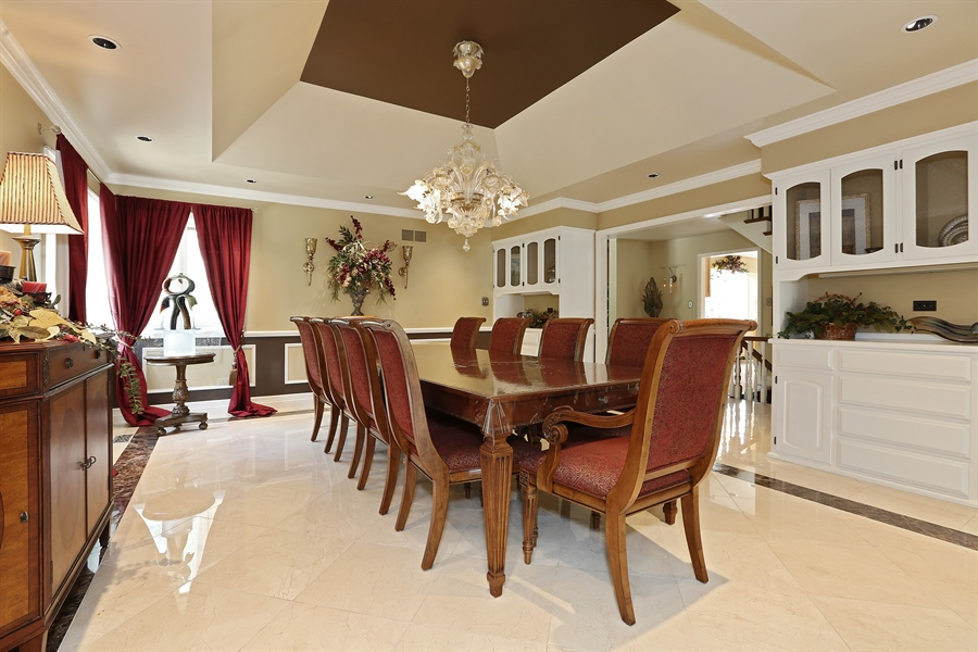 Real Estate Photography - 1607 Midwest Club Parkway, Oak Brook, IL, 60523 - Dining Room