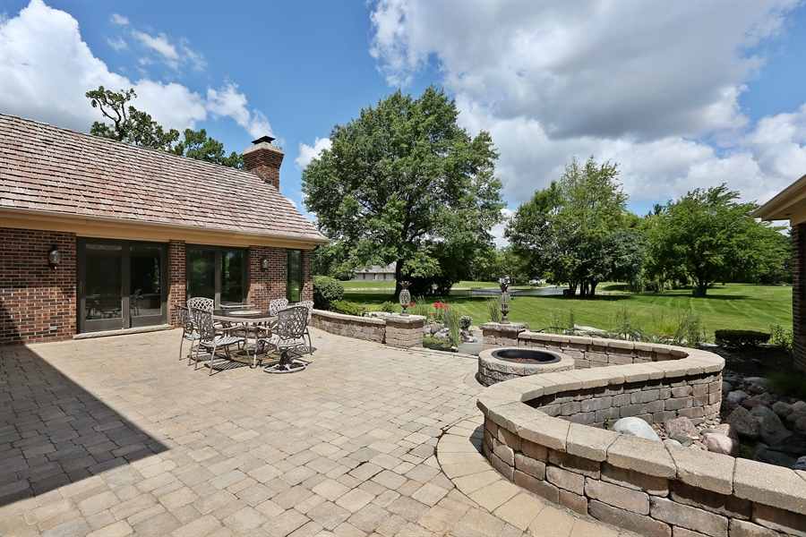 Real Estate Photography - 1607 Midwest Club Parkway, Oak Brook, IL, 60523 - Patio
