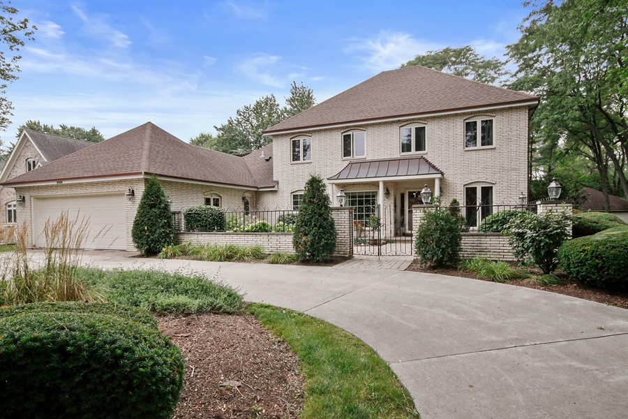 clarendon hills jewish singles Clarendon hills, il single family homes for sale single family homes for sale in clarendon hills, il have a median listing price of $499,450 and a price per square foot of $236.