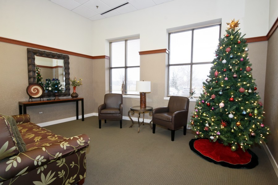 Real Estate Photography - 6420 Double Eagle, 905, Woodridge, IL, 60517 - Lobby