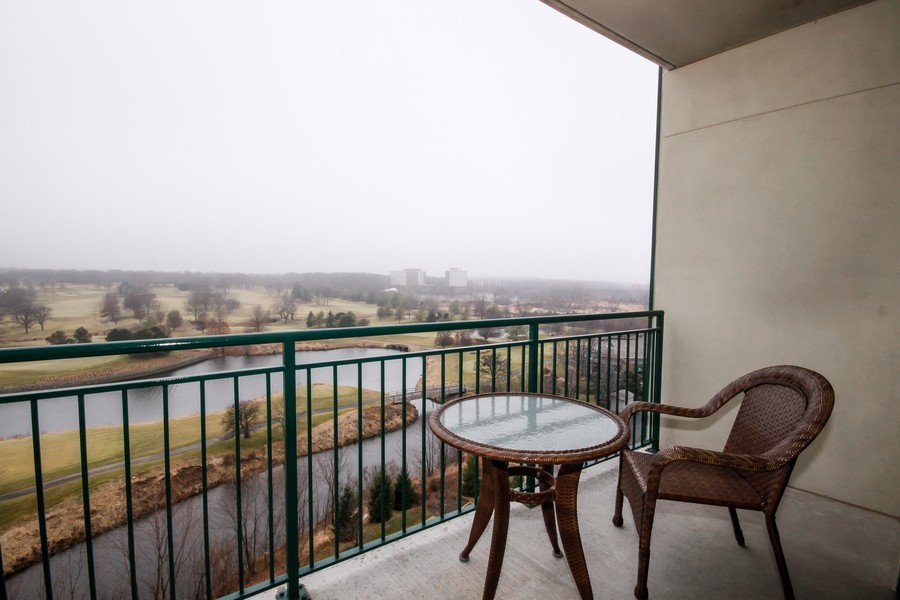 Real Estate Photography - 6420 Double Eagle, 905, Woodridge, IL, 60517 - Balcony