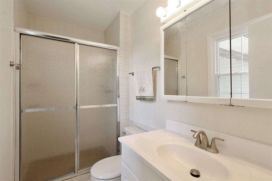 Real Estate Photography - 631 Wyngate Lane, Buffalo Grove, IL, 60089 - Master Bathroom