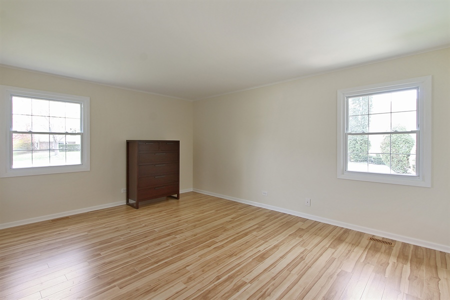 Real Estate Photography - 631 Wyngate Lane, Buffalo Grove, IL, 60089 - Master Bedroom