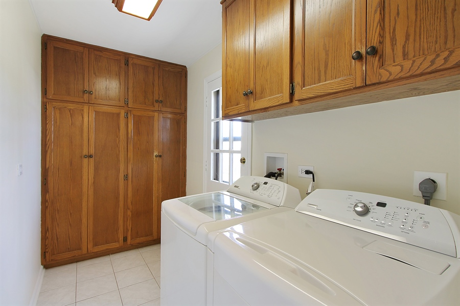 Real Estate Photography - 631 Wyngate Lane, Buffalo Grove, IL, 60089 - Laundry Room