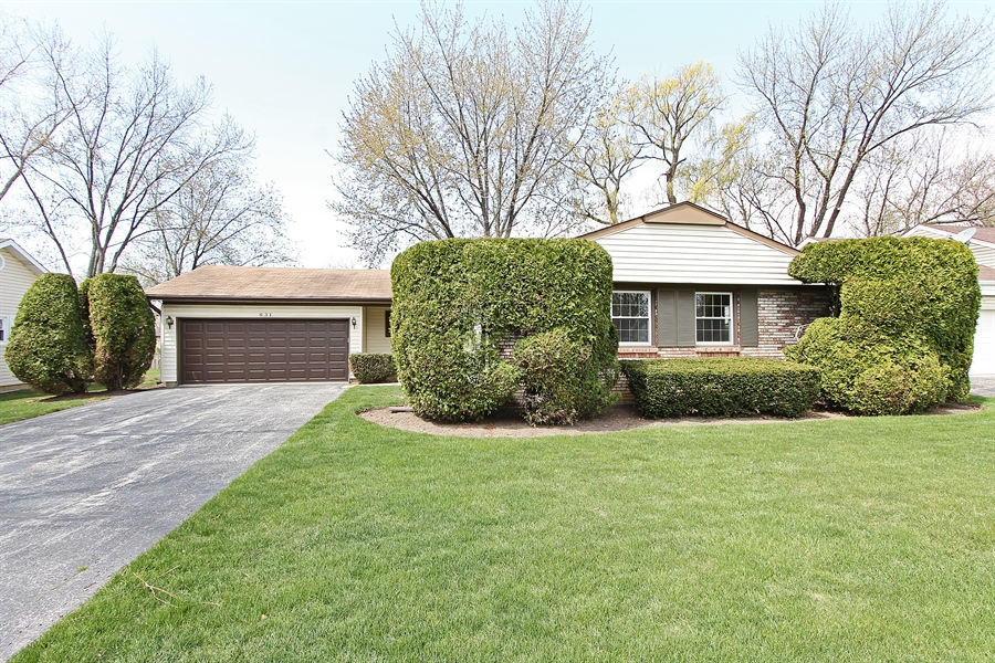 Real Estate Photography - 631 Wyngate Lane, Buffalo Grove, IL, 60089 - Front View