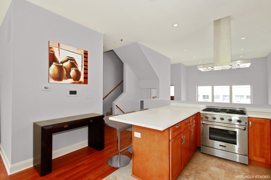 Real Estate Photography - 7227 S Exchange, Unit a, Chicago, IL, 60649 - Location 4
