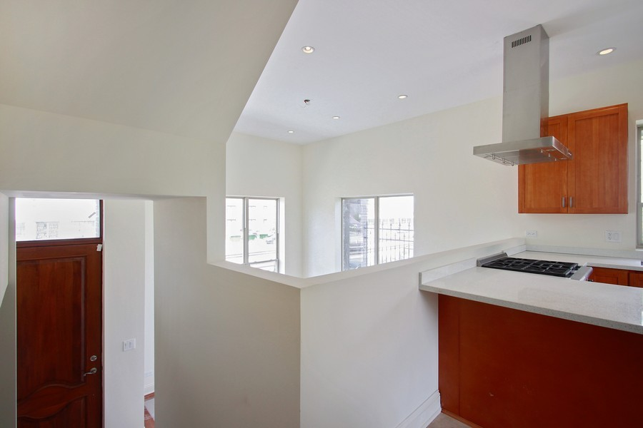 Real Estate Photography - 7227 S Exchange, Unit a, Chicago, IL, 60649 - Location 7