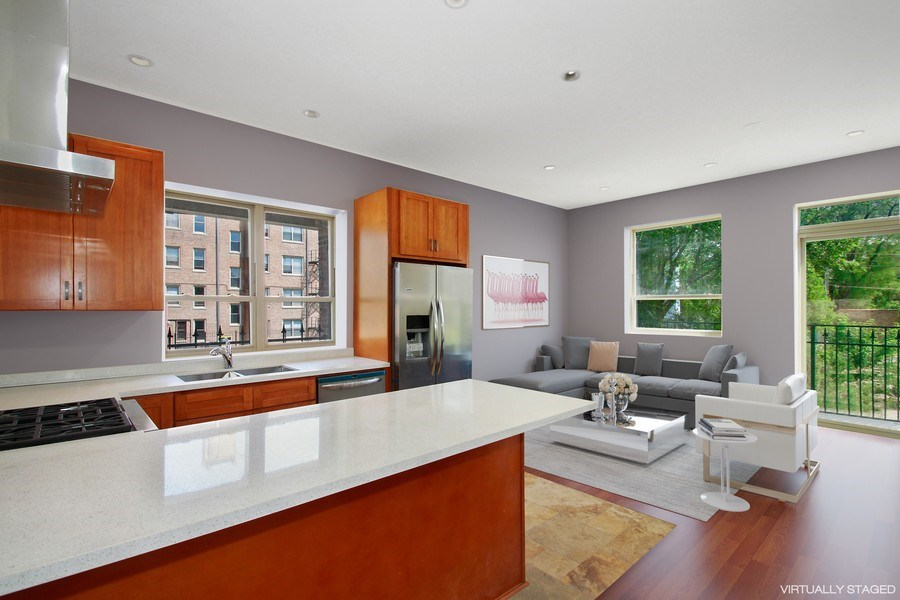 Real Estate Photography - 7227 S Exchange, Unit a, Chicago, IL, 60649 - Location 9