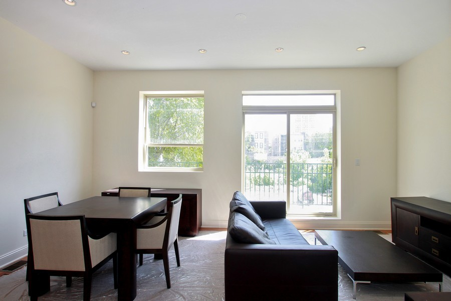 Real Estate Photography - 7227 S Exchange, Unit a, Chicago, IL, 60649 - Location 11