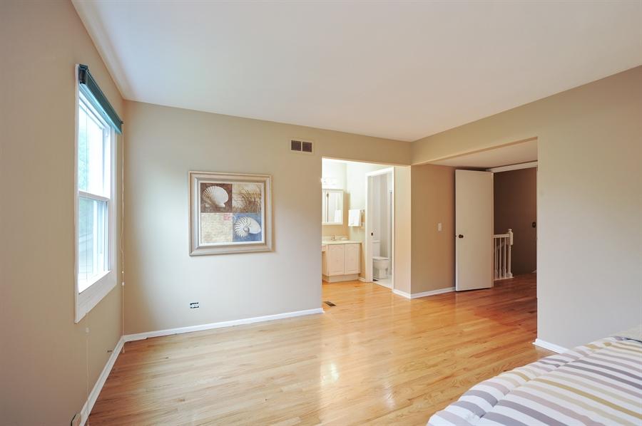 Real Estate Photography - 6 Cobblestone Court, Buffalo Grove, IL, 60089 - Master Bathroom