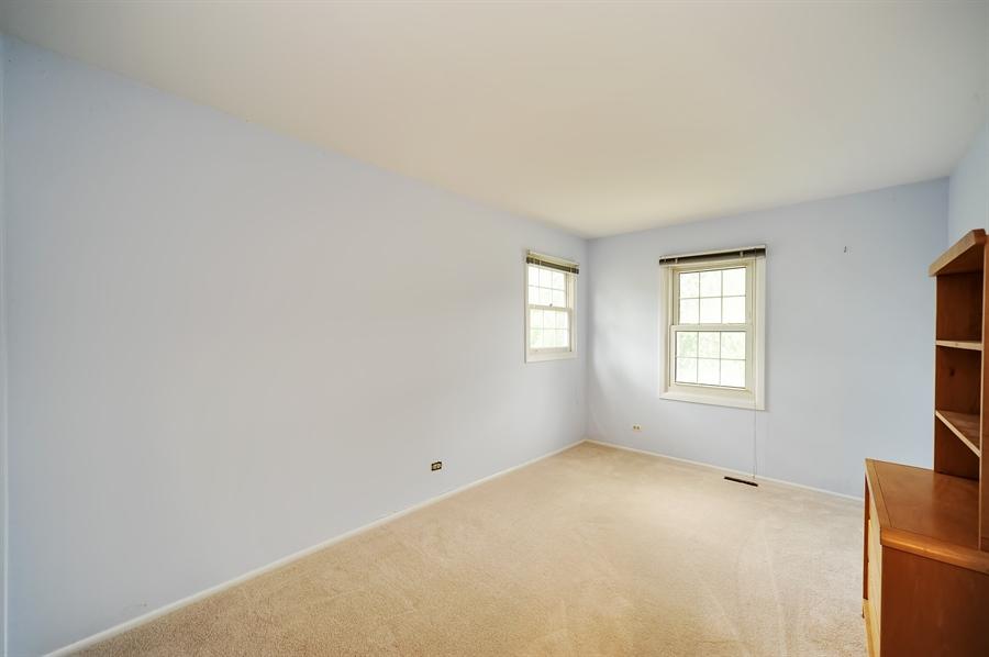 Real Estate Photography - 6 Cobblestone Court, Buffalo Grove, IL, 60089 - 4th Bedroom