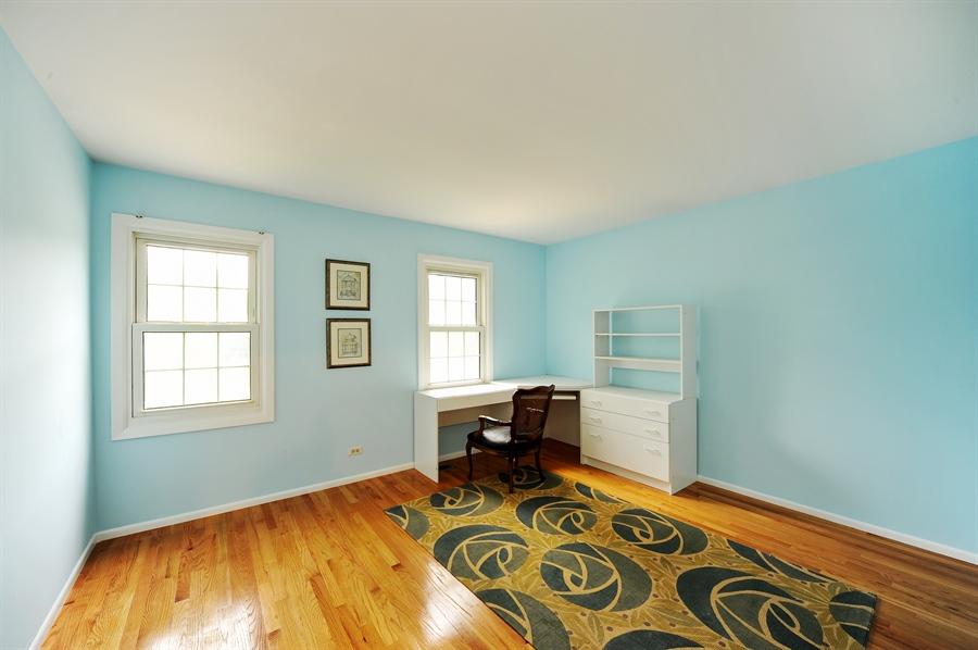 Real Estate Photography - 6 Cobblestone Court, Buffalo Grove, IL, 60089 - 5th Bedroom
