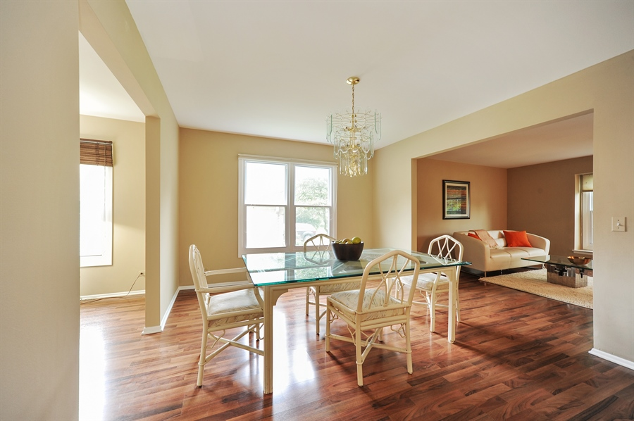 Real Estate Photography - 6 Cobblestone Court, Buffalo Grove, IL, 60089 - Dining Room