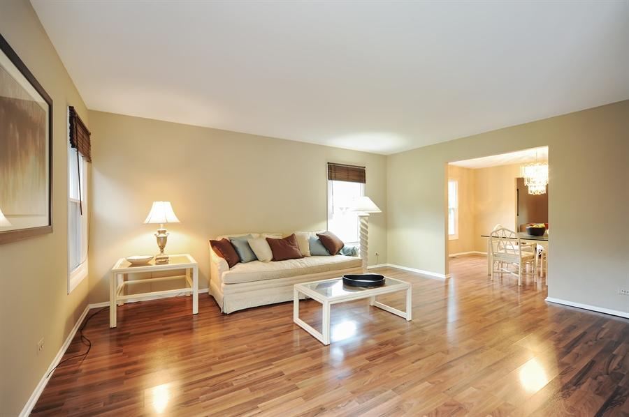 Real Estate Photography - 6 Cobblestone Court, Buffalo Grove, IL, 60089 - Family Room