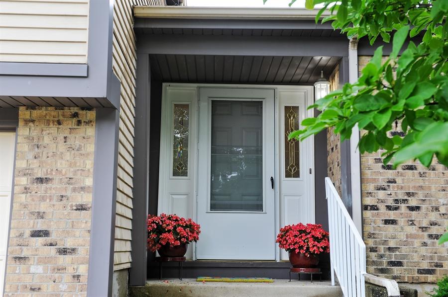 Real Estate Photography - 6 Cobblestone Court, Buffalo Grove, IL, 60089 - Entrance