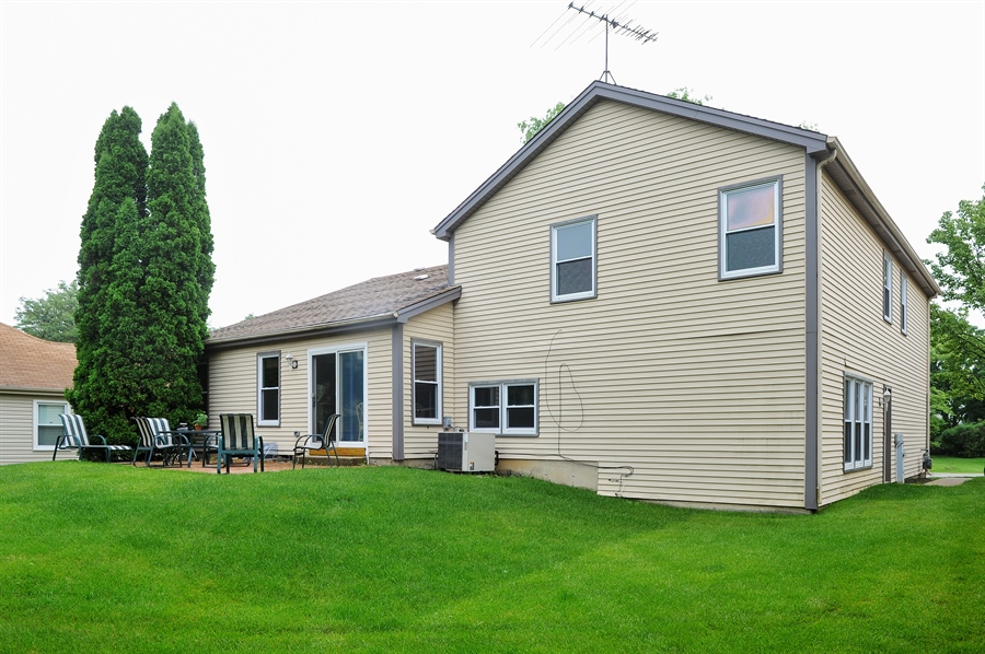 Real Estate Photography - 6 Cobblestone Court, Buffalo Grove, IL, 60089 - Patio